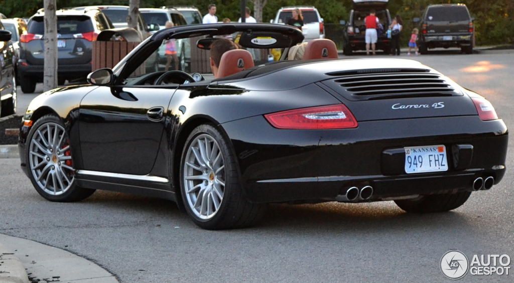 porsche 997 carrera 4s cabriolet mki 11 november 2013 autogespot. Black Bedroom Furniture Sets. Home Design Ideas