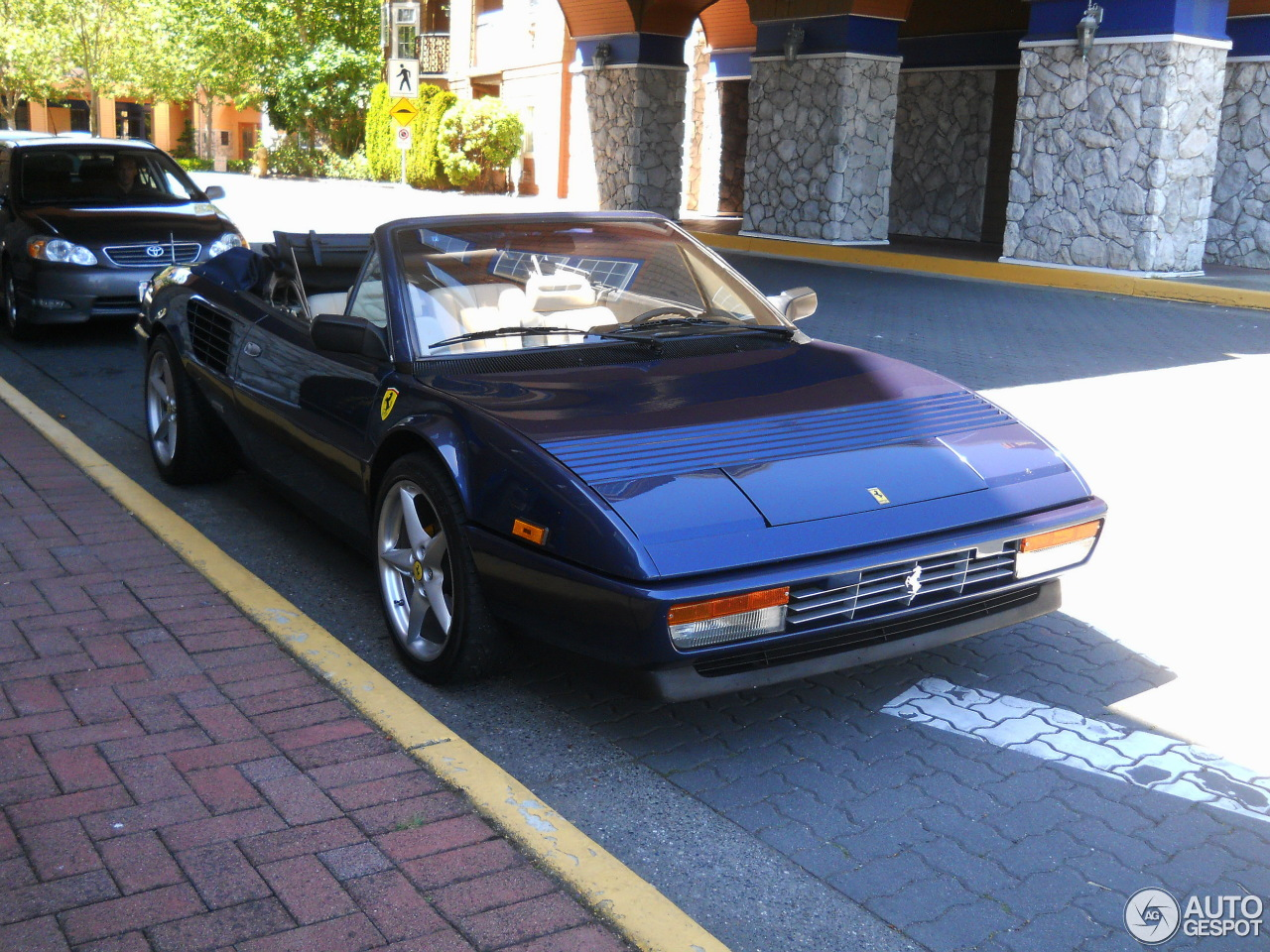 ferrari mondial 3 2 cabriolet 26 december 2013 autogespot. Black Bedroom Furniture Sets. Home Design Ideas