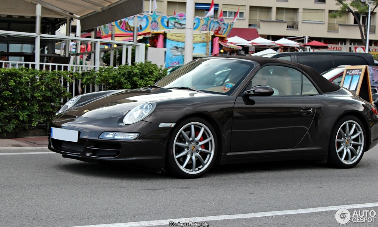 porsche 997 carrera 4s cabriolet mki 30 december 2013 autogespot. Black Bedroom Furniture Sets. Home Design Ideas